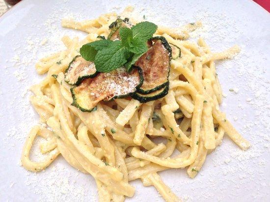 Obica Mozzarella Bar - Duomo: Zucchini pasta