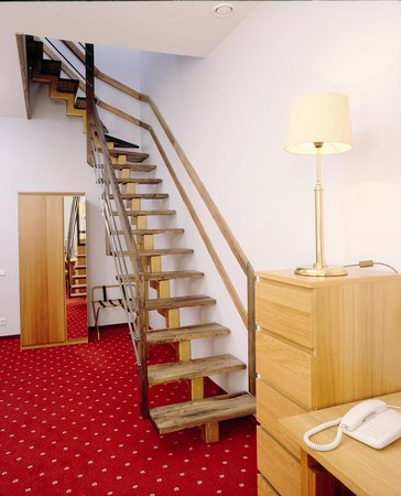 eLoftHOTEL: Stairs to the second floor