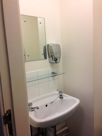 Safestay Edinburgh : bagno