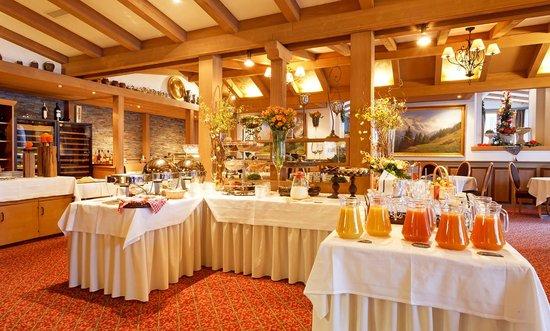Hotel Eiger Restaurant: Breakfast buffet