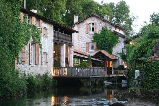 Le Moulin du Roc: Vue extérieur