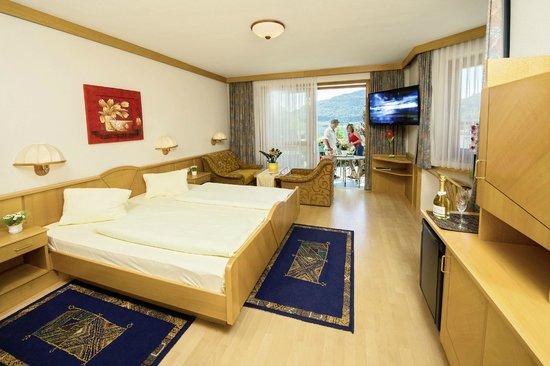 Seehotel Princes: Alle Zimmer sind seeseitig gelegen, mit FLAT-TV,SAT-TV, Minibar, WLAN, DU/WC getrennt