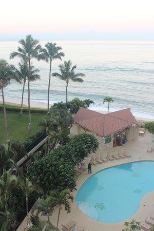Royal Kahana: Hotel pool