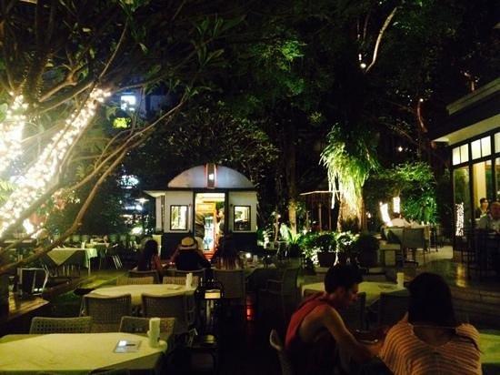 Rosabieng restaurant garden