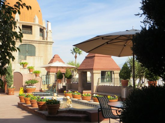 The Mission Inn Hotel and Spa: 4th floor terrace