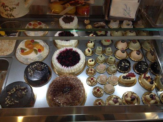 1000 temas de que hablar: ¿Porque en los Cumpleaños se come Pastel?