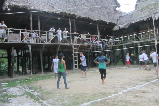 Amazonia Expeditions' Tahuayo Lodge: Lodge volleyball area