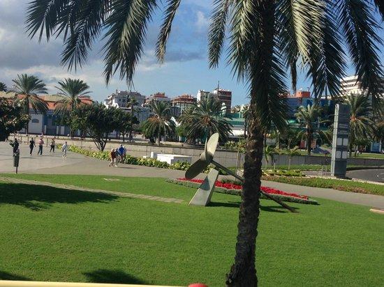 Shoppinig picture of eo suite hotel jardin dorado for Bungalows jardin dorado