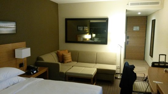 Standard Size Bedroom. Hyatt Place Amsterdam Schiphol Airport  Kinz Size Bedroom Standard Picture of