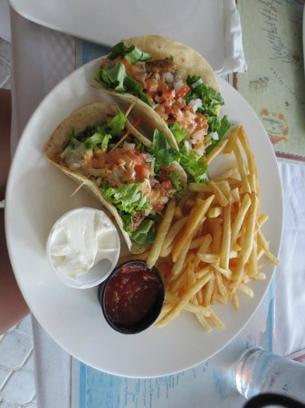 Alexandra Resort : fish tacos at mango reef