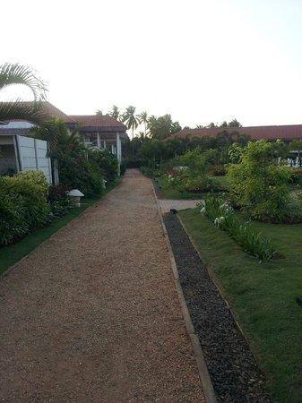 The Windflower Resort and Spa Pondicherry : Path
