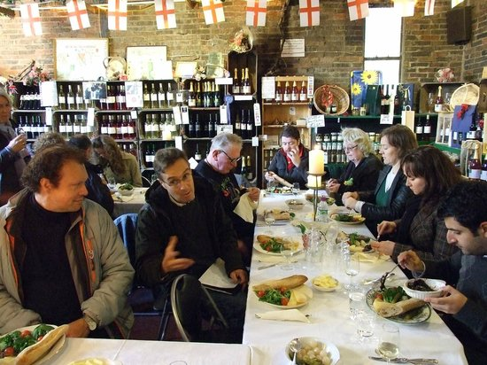 Sedlescombe Organic Vineyard: Slow Food (London) group lunch following their Guided Tour