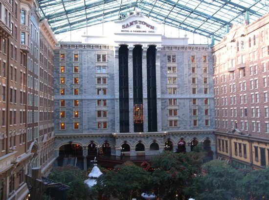 Sam's Town Hotel and Gambling Hall: atrium
