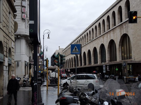 BEST WESTERN Premier Hotel Royal Santina: Opposite to Rome central terminal