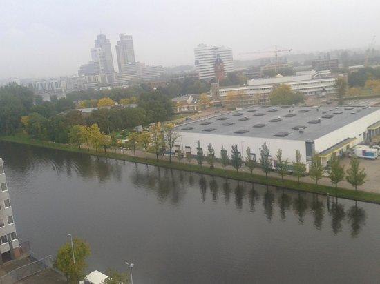 Mercure Hotel Amsterdam City: Vista para o lago