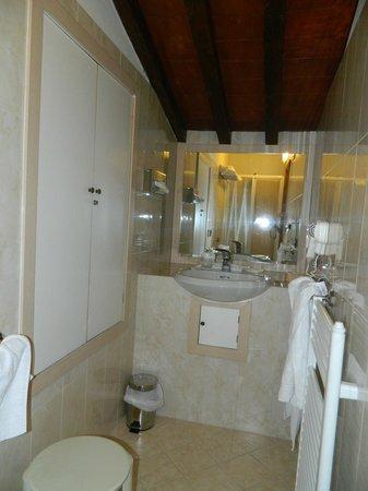 Strozzi Palace Hotel: bagno