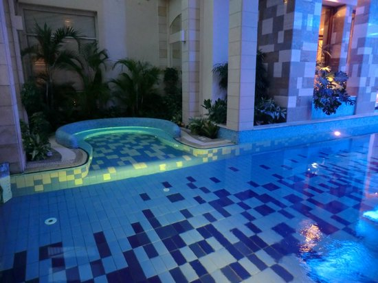 Columbia Beach Resort Pissouri: Inside the Spa pool