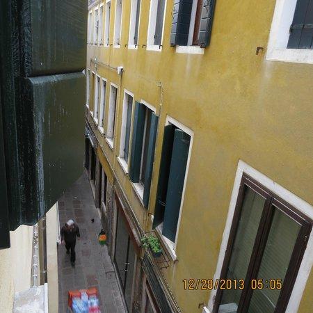 Hotel Antigo Trovatore: vista do apartamento