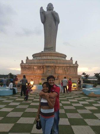 Lumbini Park : Hussain sagar lake