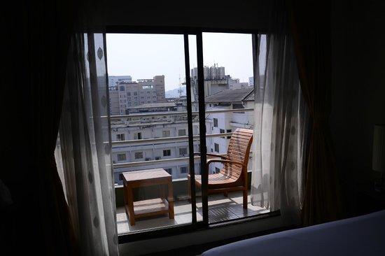 Bay Breeze Hotel: balcony