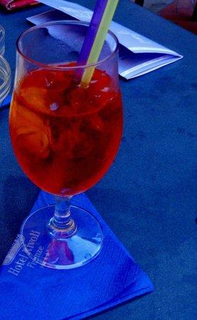 Rivoli Boutique Hotel: aperol spritz preparado por Sani na piscina do Rivoli