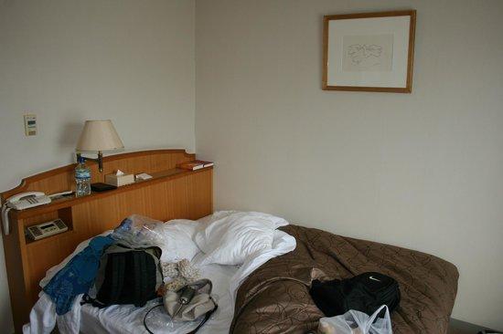 HOTEL MYSTAYS Matsuyama: Bedroom
