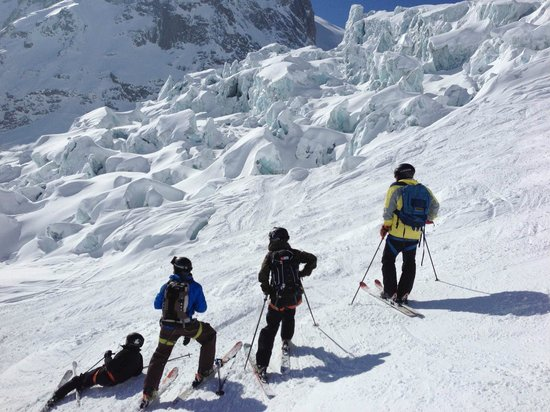 Vallee Blanche: 3 generations Surland & Sophie down from Aiguille de Midi