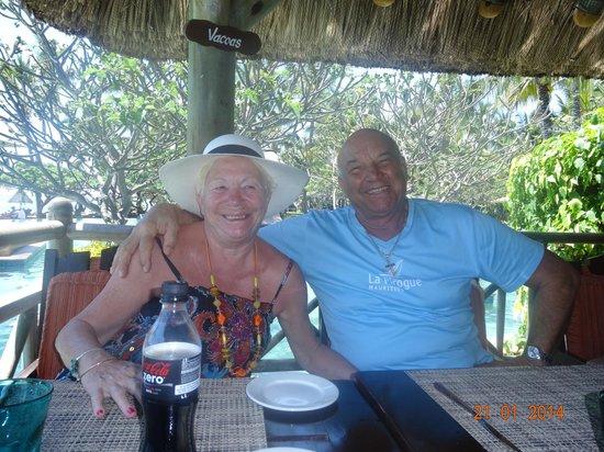 La Pirogue Mauritius: Déjeuner sur Piscine