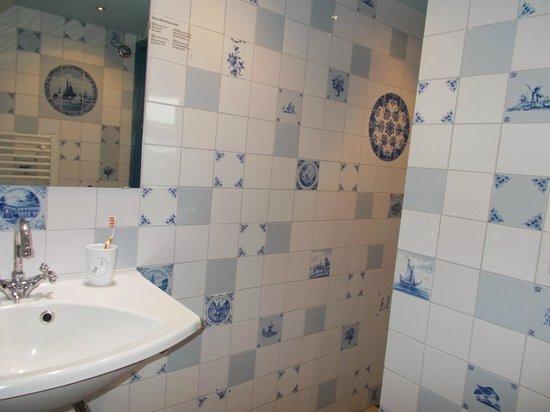 Hotel de Plataan: bathroom