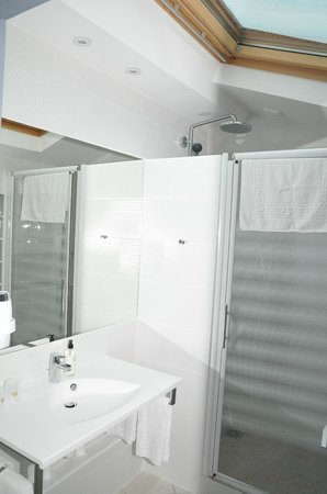 Best Western Hotel Eurociel : appart_loft_salledebain