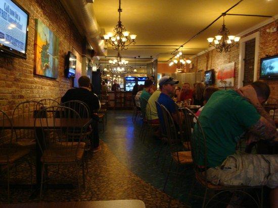 JP's Bar & Grill: Restaurant dining area