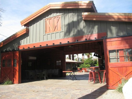 Sparrows Lodge : Original barn (restored)