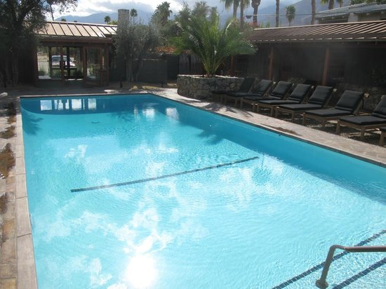 Sparrows Lodge : Well laid out pool grounds