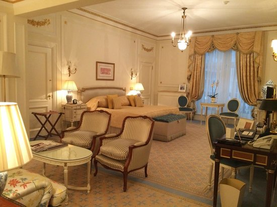The Ritz London: Junior Suite and the Ritz (Overlooking Piccadilly)