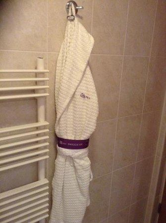 Tankersley Manor Hotel - QHotels: nice cooton bathrobes supplied