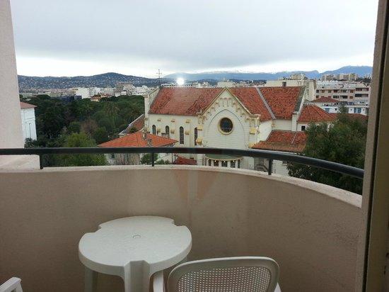 Hotel Le Grand Pavois: Лоджия