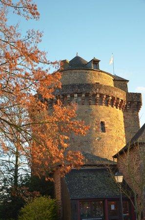 Montfort-sur-Meu, Francja: La tour du Papegault