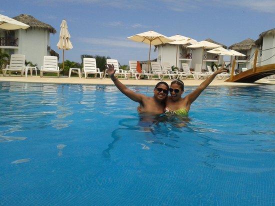 Casa Andina Select Zorritos Tumbes : en la piscina del hotel