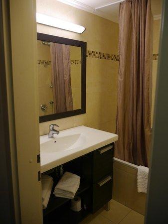 Kfar Maccabiah Hotel & Suites: комната отдыха