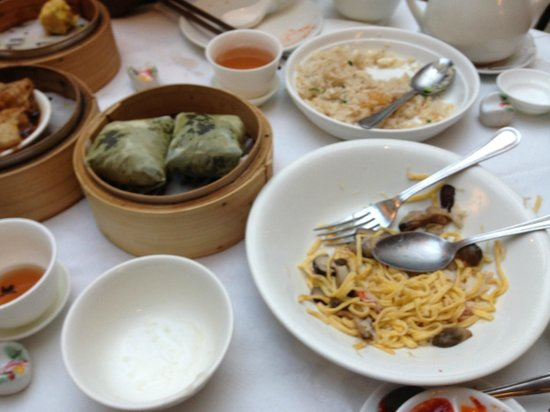 Mayfair Garden : Lotus Leaf, Ee Fu noodles and Fried Rice