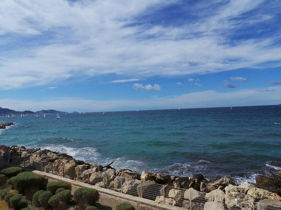 NH Marseille Palm Beach : Sea Breeze from Room
