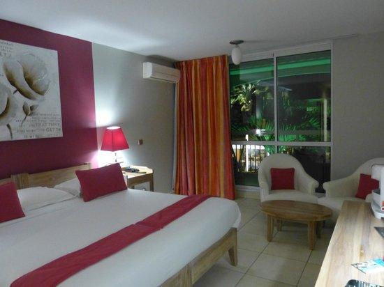 Hotel La Pagerie: Chambre coté piscine