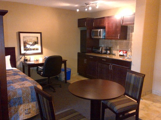 Franklin Suite Hotel: Suite Kitchenette