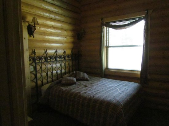 Mueller State Park: One of two bedrooms