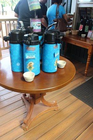 Kauai Coffee Company: Coffee samples