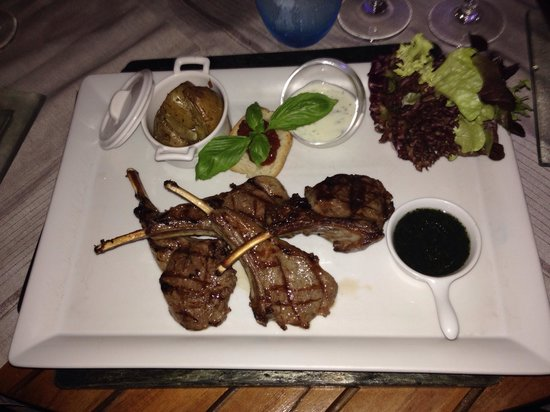 Kuramathi Island Resort: Lamb at the reef (delicious)