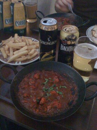 Balti Towers : Chicken balti and a couple cans of cider .. perfect