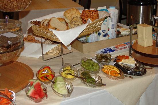 Hotel Frederikshavn - Soemandshjemmet: Breakfast Buffet