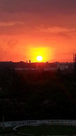 Sunset Square : Pôr do Sol