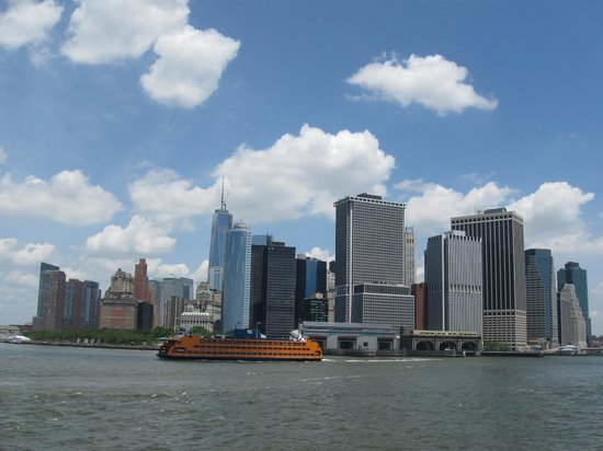 Governors Island National Monument : View from the ferry of South Manhattan